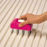 お風呂のフタを綺麗に掃除できる切り替え式凸凹段差ブラシ